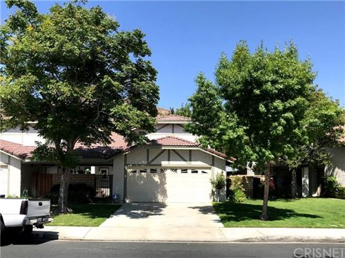 Photo of 15919 Ada Street, Canyon Country, CA 91387 (MLS # SR20019105)