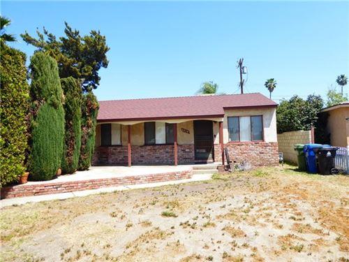 Photo of 8814 Moonbeam Avenue, Panorama City, CA 91402 (MLS # SR21094105)