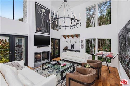Photo of 11601 Montana Avenue #9, Los Angeles, CA 90049 (MLS # 20616106)