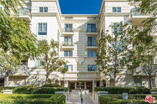Photo of 430 N Oakhurst Drive #202, Beverly Hills, CA 90210 (MLS # 21701106)