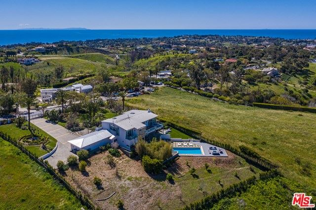 Photo of 6047 CAVALLERI Road, Malibu, CA 90265 (MLS # 20583106)
