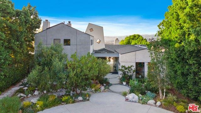 Photo of 7423 Woodrow Wilson Drive, Los Angeles, CA 90046 (MLS # 20625106)