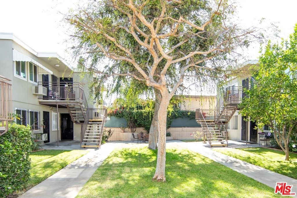 Photo of 7127 N Coldwater Canyon Avenue #10, North Hollywood, CA 91605 (MLS # 21766106)