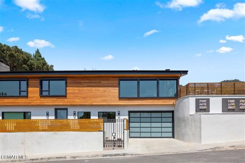 Photo of 7995 Briar Summit Drive, Los Angeles, CA 90046 (MLS # 221004107)