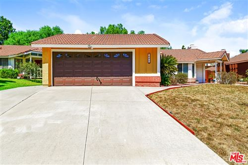 Photo of 14811 Quezada Way, Santa Clarita, CA 91387 (MLS # 21785108)