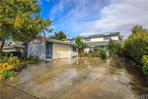 Photo of 27230 Langside Avenue, Canyon Country, CA 91351 (MLS # SR19260108)