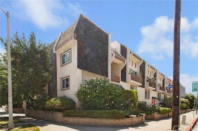 Photo for 4660 Coldwater Canyon Avenue #23, Studio City, CA 91604 (MLS # TR19162108)