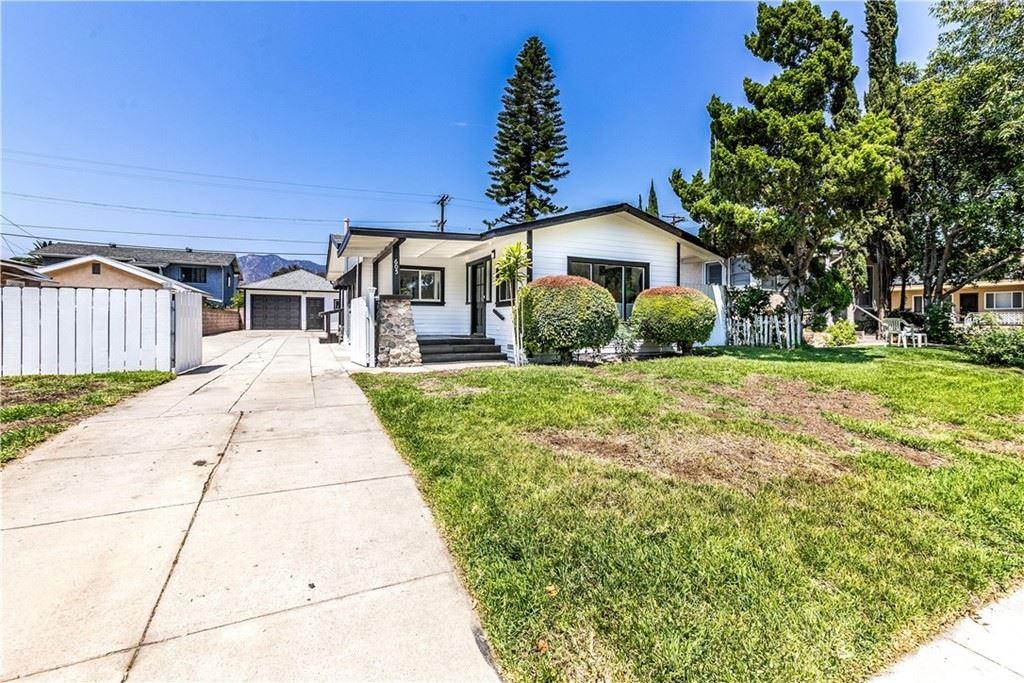Photo of 605 Alexander Street, Glendale, CA 91203 (MLS # SR21159109)