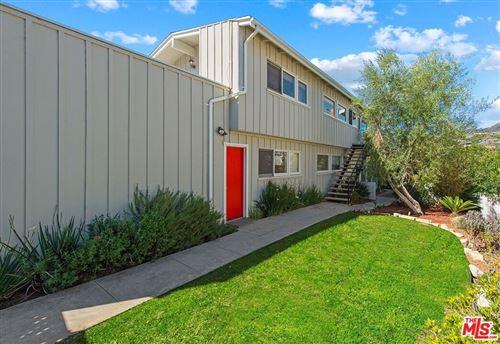 Photo of 677 Las Lomas Avenue, Pacific Palisades, CA 90272 (MLS # 21775110)