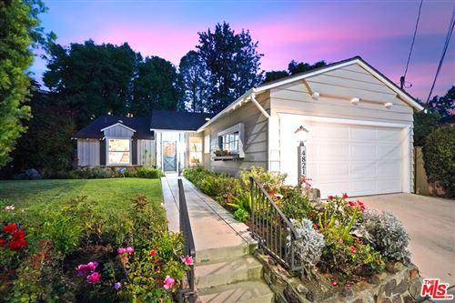 Photo of 4821 Beeman Avenue, Valley Village, CA 91607 (MLS # 21798110)