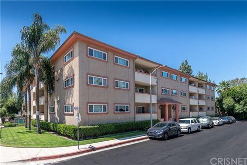 Photo of 12500 Huston Street #304, Valley Village, CA 91607 (MLS # SR20138110)