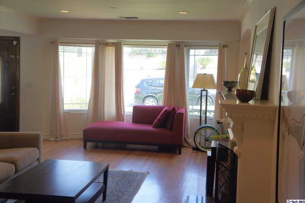 Photo of 430 Ross Street, Glendale, CA 91207 (MLS # 320006110)