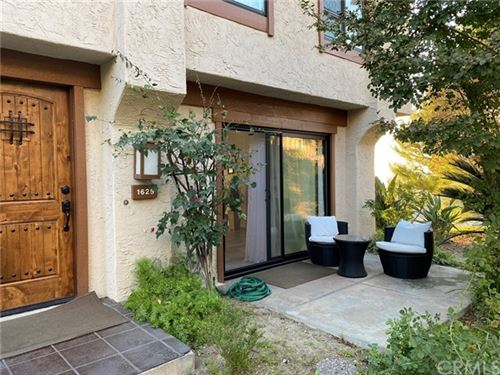 Photo of 1625 Camino De Villas, Burbank, CA 91501 (MLS # PW20228111)