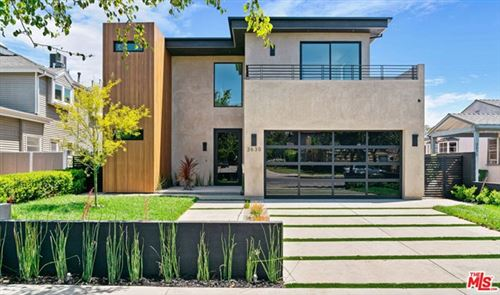 Photo of 3630 S BARRINGTON Avenue, Los Angeles, CA 90066 (MLS # 20583112)