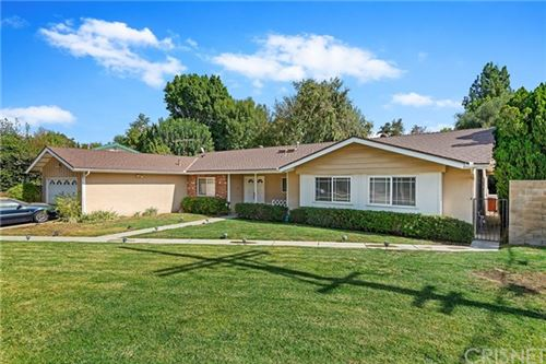 Photo of 11740 Shoshone Avenue, Granada Hills, CA 91344 (MLS # SR20234112)