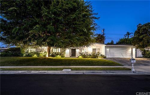 Photo of 23742 Kivik Street, Woodland Hills, CA 91367 (MLS # SR21156112)