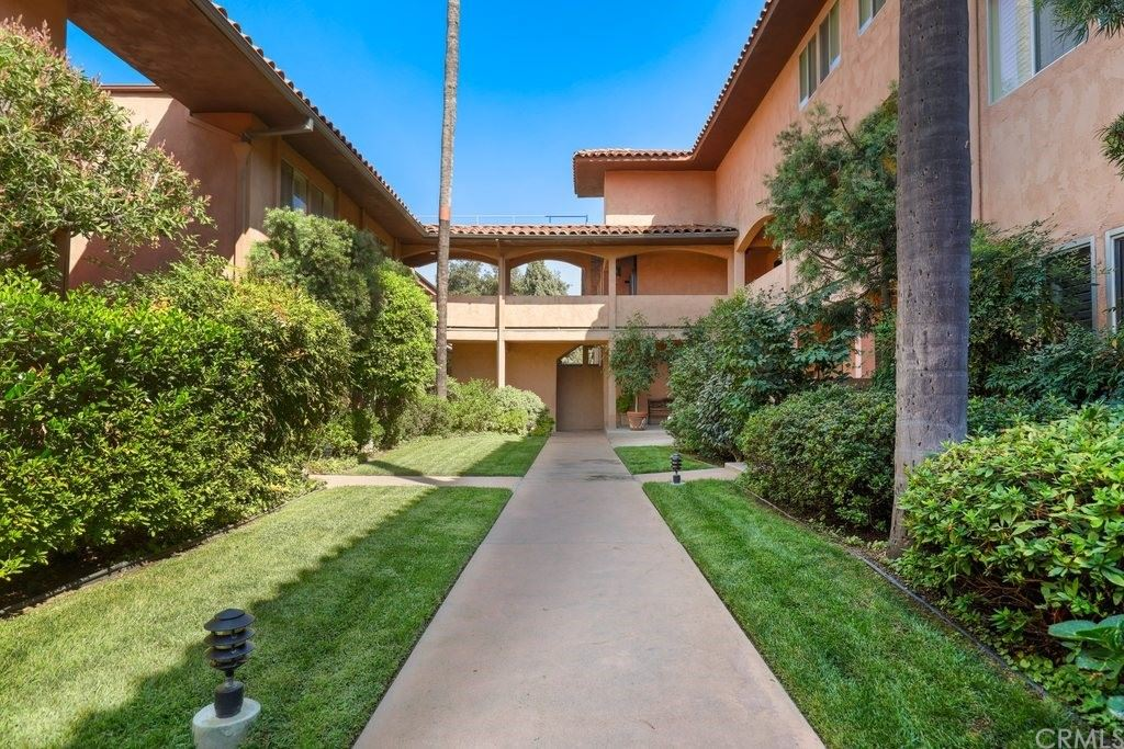 Photo of 1200 S Orange Grove Boulevard #4, Pasadena, CA 91105 (MLS # CV21203112)