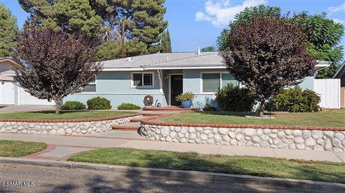 Photo of 2326 Heather Street, Simi Valley, CA 93065 (MLS # 221005113)