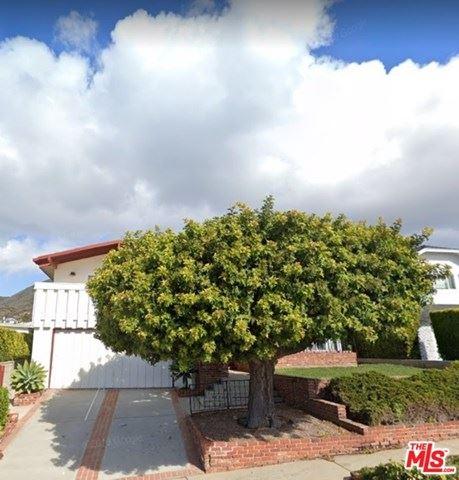 Photo of 18157 Kingsport Drive, Malibu, CA 90265 (MLS # 20625114)