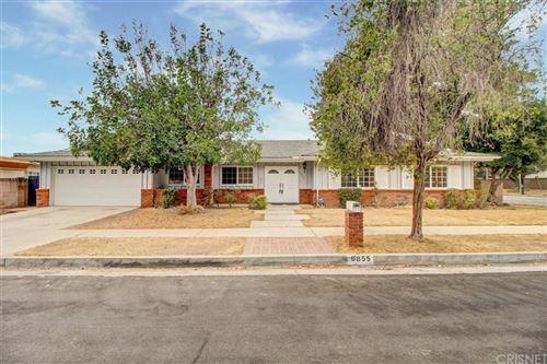 Photo of 9855 Glade Avenue, Chatsworth, CA 91311 (MLS # SR21214114)