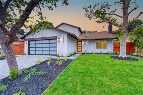 Photo of 3315 Silver Spur Court, Thousand Oaks, CA 91360 (MLS # V1-2114)