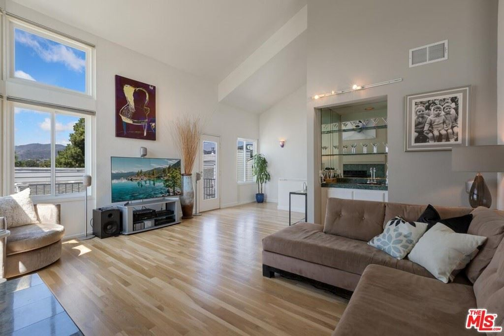 Photo of 830 Haverford Avenue #12, Pacific Palisades, CA 90272 (MLS # 21783114)
