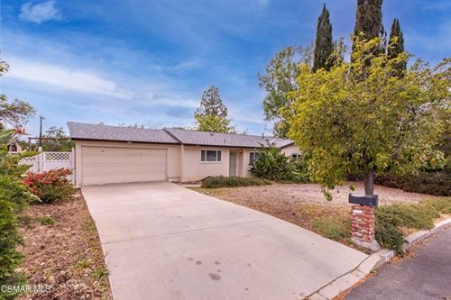Photo of 2441 Calle Gladiolo, Thousand Oaks, CA 91360 (MLS # 221002115)