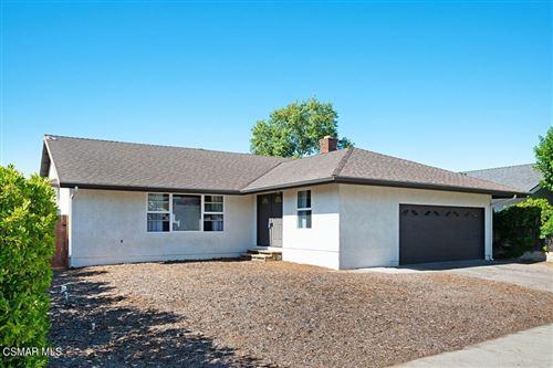 Photo of 692 Flaming Star Avenue, Thousand Oaks, CA 91360 (MLS # 221005115)
