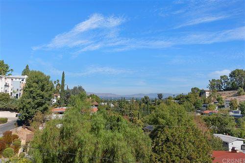 Photo of 5225 Elvira Road, Woodland Hills, CA 91364 (MLS # SR21233115)