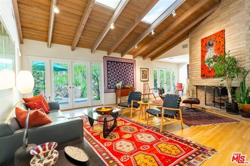 Photo of 3546 Mandeville Canyon Road, Los Angeles, CA 90049 (MLS # 20639116)