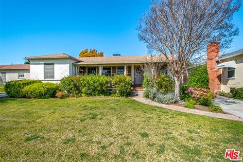 Photo of 221 W Ellis Avenue, Inglewood, CA 90302 (MLS # 21711116)