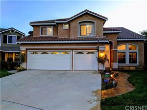 Photo of 21712 Canyon Heights Circle, Saugus, CA 91390 (MLS # SR19244117)