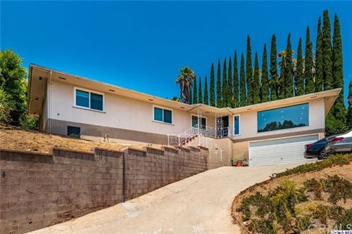 Photo of 912 Briarwood Lane, Glendale, CA 91206 (MLS # 320002118)