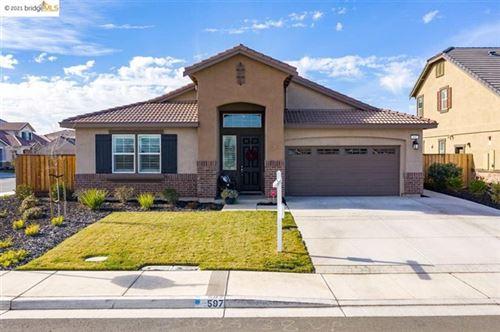 Photo of 597 Sapphire Pkwy, Oakley, CA 94561 (MLS # 40935118)