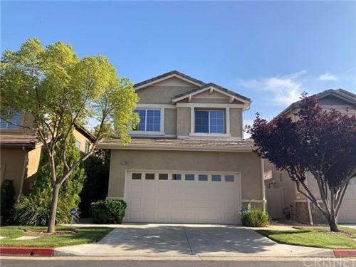 Photo of 27268 Marisa Drive, Canyon Country, CA 91387 (MLS # SR20146118)