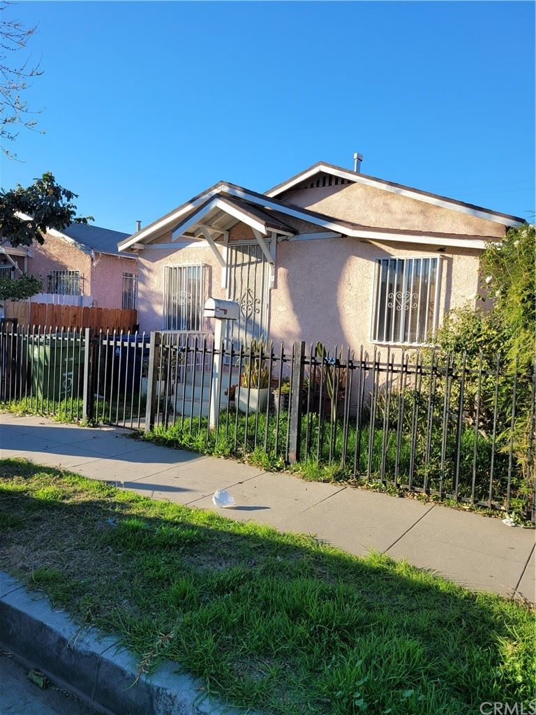 1015 W 65th Place, Los Angeles, CA 90044 - MLS#: RS21068118