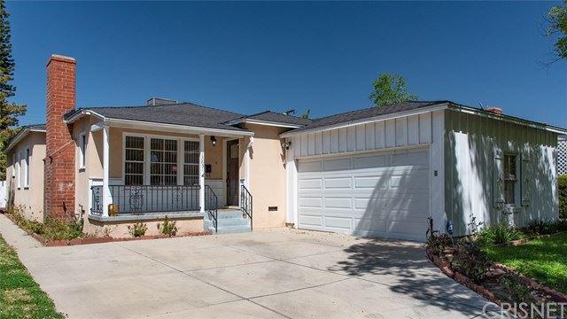 Photo of 13851 Runnymede Street, Van Nuys, CA 91405 (MLS # SR21067118)