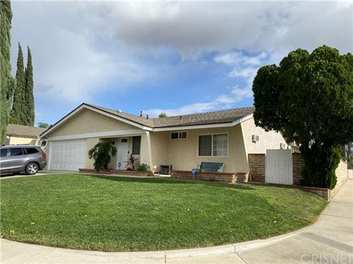 Photo of 27830 Crosspath Avenue, Canyon Country, CA 91351 (MLS # SR20236119)