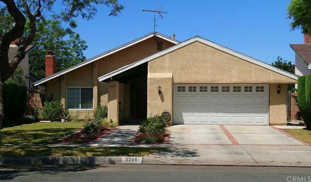Photo of 3206 S Diamond Street, Santa Ana, CA 92704 (MLS # OC21168119)