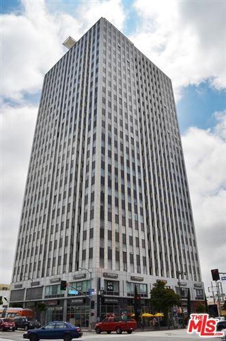 Photo of 3810 Wilshire Boulevard #412, Los Angeles, CA 90010 (MLS # 20600120)