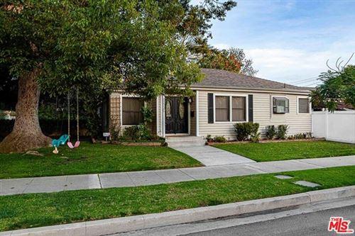 Photo of 1520 W Oak Street, Burbank, CA 91506 (MLS # 21697120)