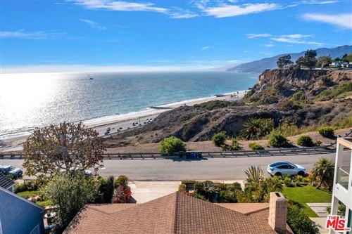 Photo of 15241 Via De Las Olas, Pacific Palisades, CA 90272 (MLS # 21798120)