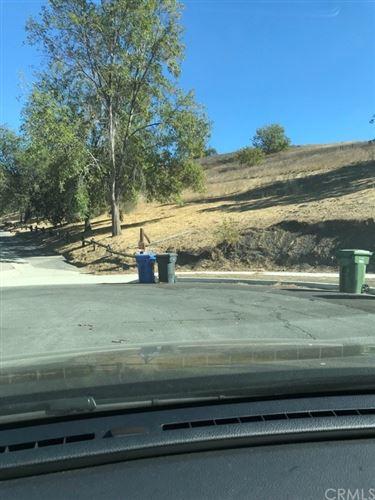 Photo of 1 Bascom Court, Thousand Oaks, CA 91362 (MLS # AR21002120)
