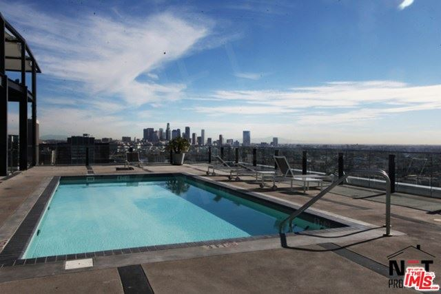 Photo of 3810 Wilshire Boulevard #412, Los Angeles, CA 90010 (MLS # 20600120)