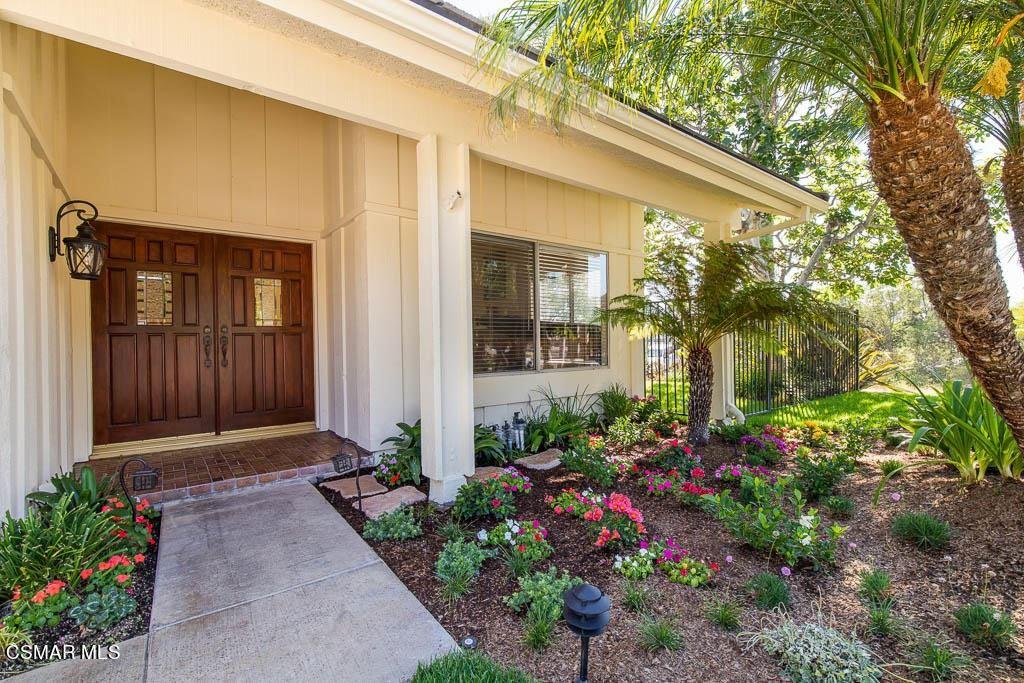 Photo of 2699 Velarde Drive, Thousand Oaks, CA 91360 (MLS # 221004120)