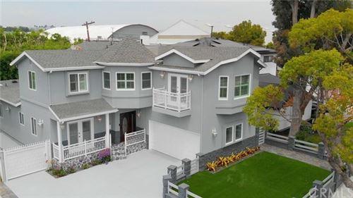Photo of 12743 Dewey Street, Mar Vista, CA 90066 (MLS # CV20180121)