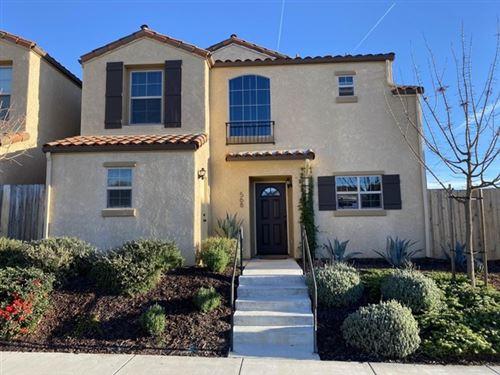 Photo of 568 River Oaks Drive, Paso Robles, CA 93446 (MLS # ML81826121)