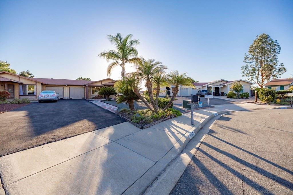 4727 Knoll Wood Ct, Oceanside, CA 92056 - MLS#: 210029121