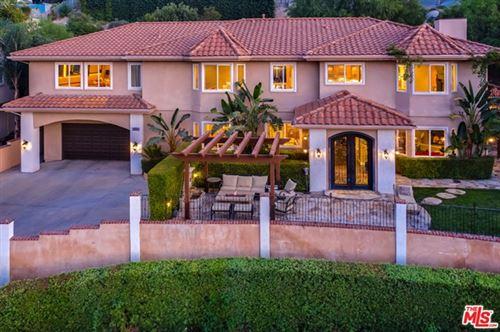 Photo of 24871 Bella Vista Drive, Santa Clarita, CA 91321 (MLS # 20646122)