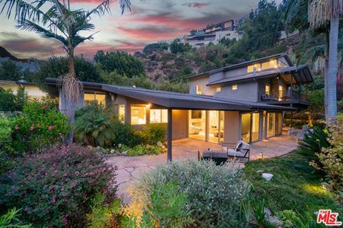 Photo of 1536 Rising Glen Road, Los Angeles, CA 90069 (MLS # 21682122)